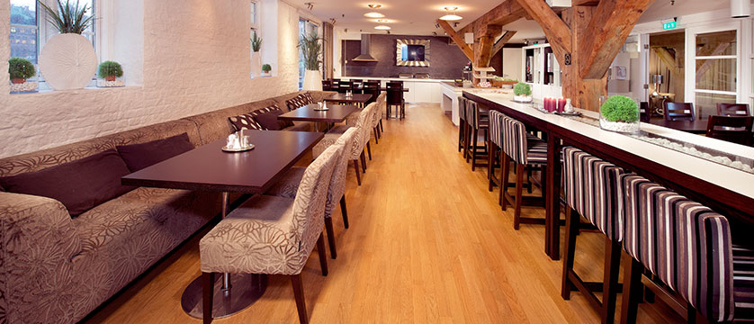 Hotel Brosundet, Ålesund, Norway - dining room.jpg